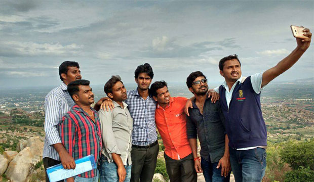 Suvarna Sneha:Selfie With Bestie_Naveen