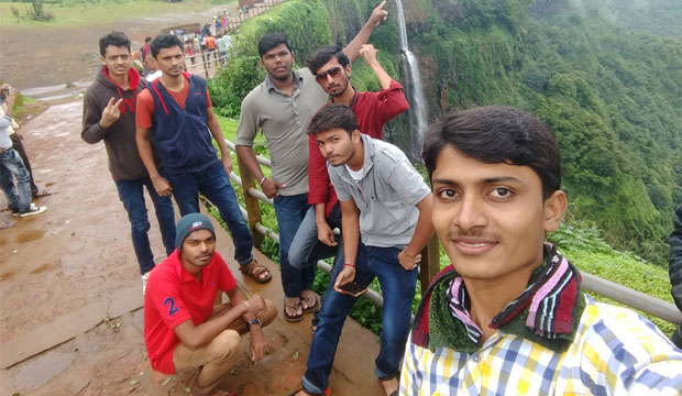 Suvarna Sneha-Selfie With Bestie_Shiva S