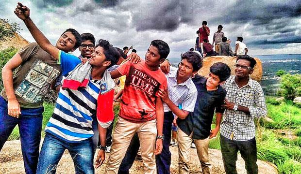 Suvarna Sneha: Selfie With Bestie_Gowtham Gowda